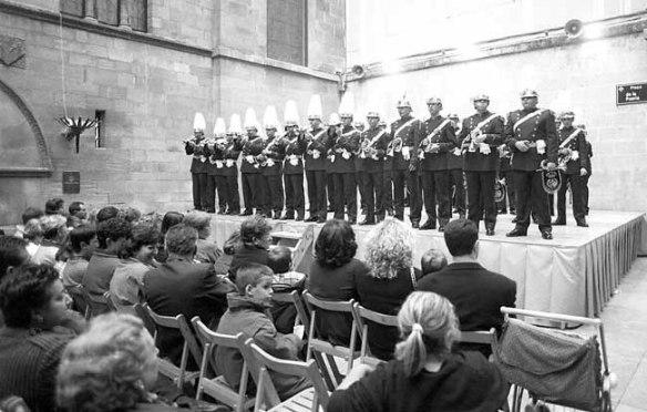 Un momento del concierto de cornetas y tambores celebrado ayer en la plaza Paeria.