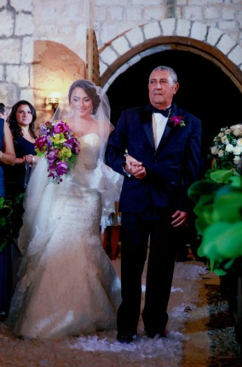 Rebeca Diep Wedding Aisle