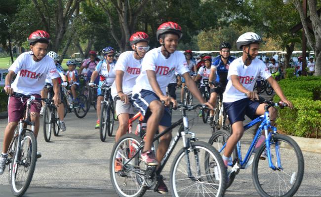 Hogar del Niño Weekend Bicycle