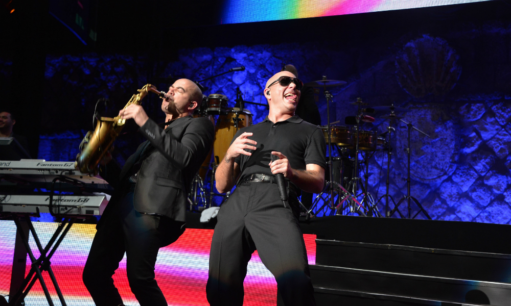 Pitbull and Sax Player Amphitheater 2013