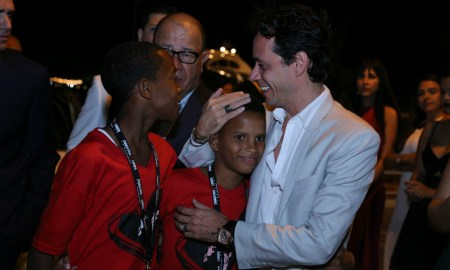 Kids with Marc Anthony at Maestro Cares dinner at SBG