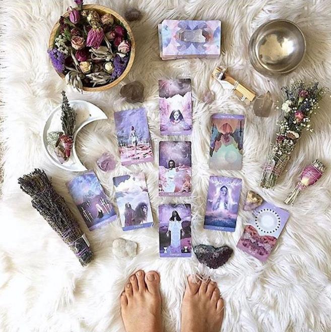 @starseeddesigns spiritual tarot card instagram acccounts