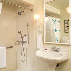 Nieves Bath