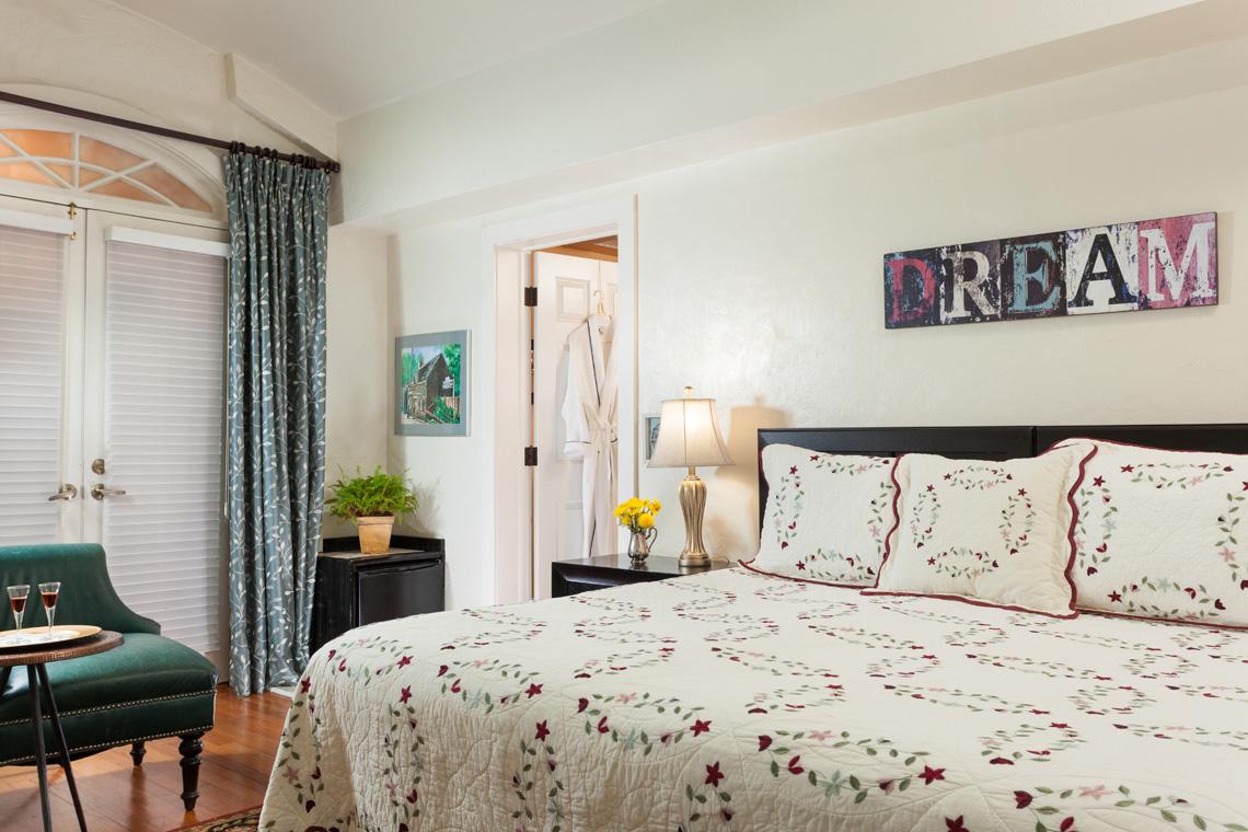 Granada Guest Room Bed