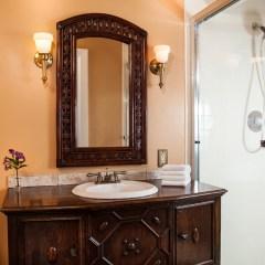 Granada Guest Room Bath