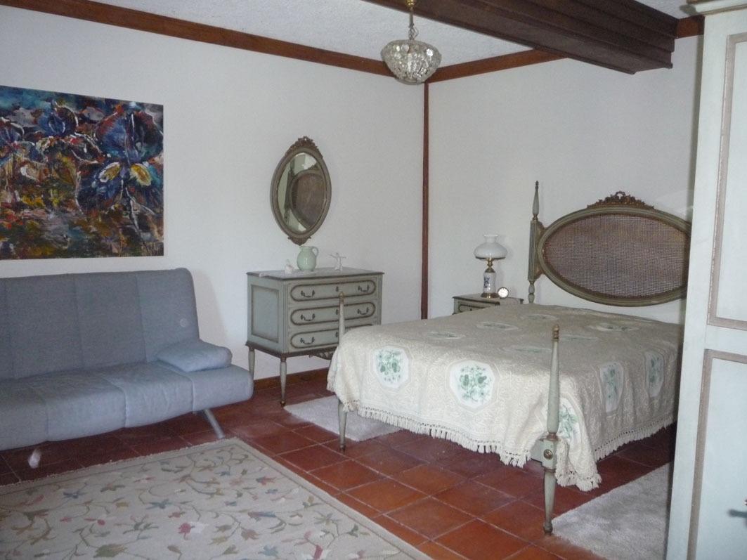 Clique aqui para mais fotos do quarto de casal.