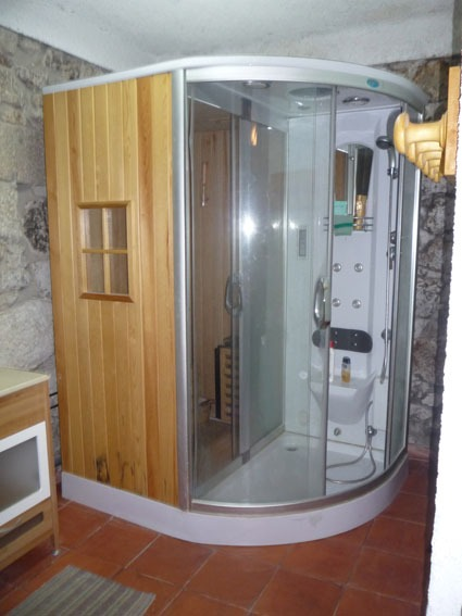 Clique aqui para mais fotos da casa de banho 2.