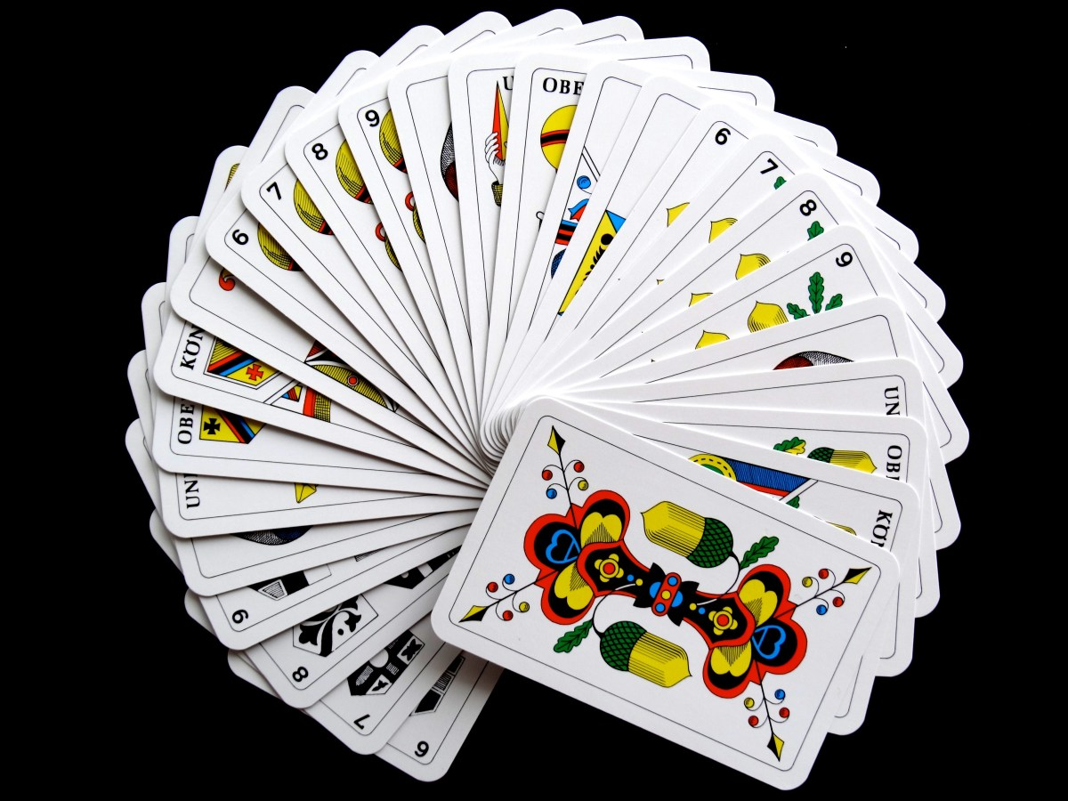 Jogo de cartas para esconder a identidade judaica!