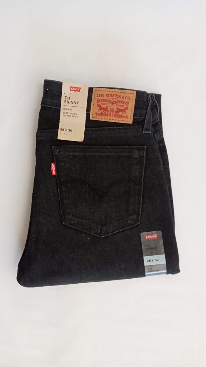Pantalon De Mezclilla Levi S 711 Skinny Negro Casa Edith Tu Boutique Familiar
