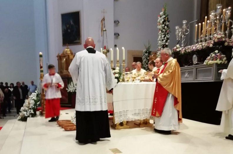 El pueblo de Ciempozuelos hemos celebrado el 4 de mayo, en la Parroquia Santa María Magdalena la Coronación Pontificia de nuestra Señora de la Soledad.