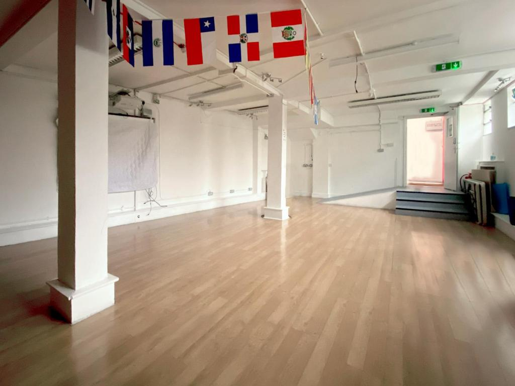 ground floor hall 2