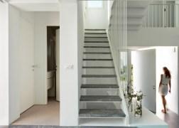 summer-house-in-santorini_kapsimalis-architects_dezeen_1568_7-936x669