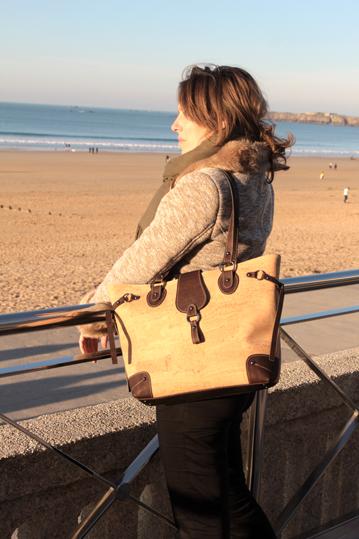 Sac à main cabas liège naturel et marron femme plage bord de mer