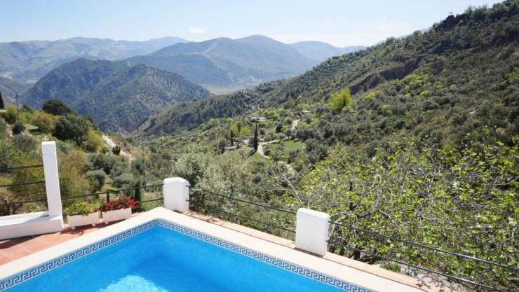 Ein Landhaus mit Pool in La Alpujarra