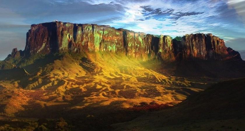 Monte Roraima: um dos lugares mais incríveis e grandiosos do Brasil! |  Casal Nômade