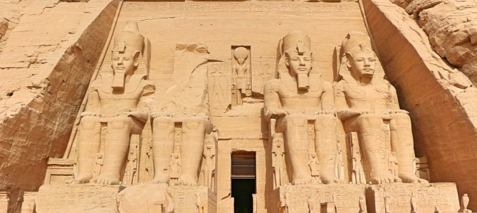Aswan e o Templo de Abu Simbel, no Egito