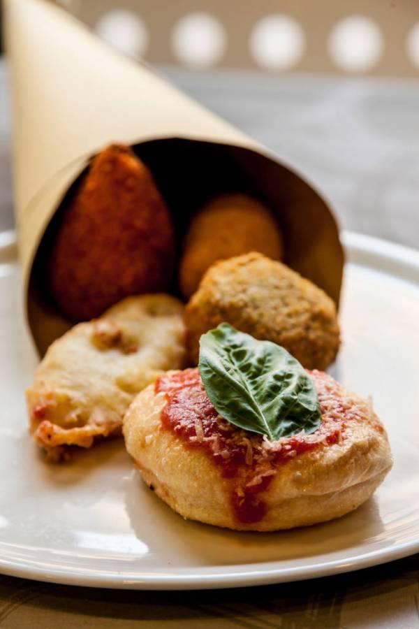 Italians love fried foods: montanara