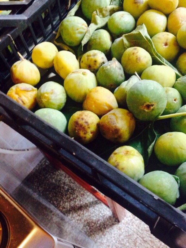 fresh italian figs for jam
