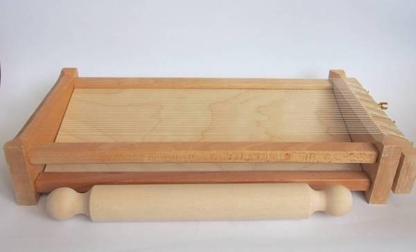 chitarra pasta maker