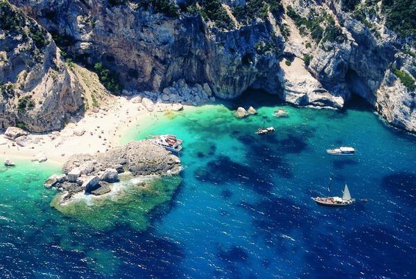 Ferragosto by the sea · www.casamiatours.com
