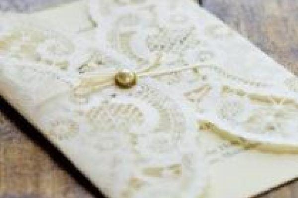 papel-rendado-convite-de-casamento-doilies (15)
