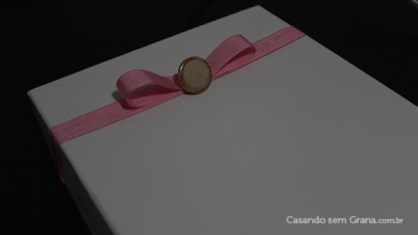 diy_tutorial_revestindo_caixinhas_tecido_madrinhas_padrinhos_casamento_22