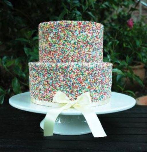 bolo_casamento_sprinkle_granulado_colorido_kissmycakes