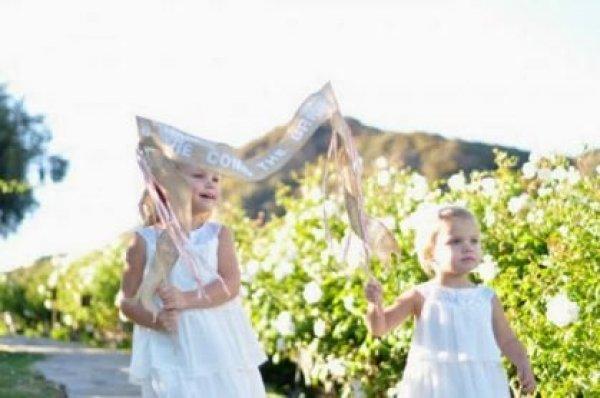 plaquinhas-entrada-e-saida-da-noiva-casamento (30)