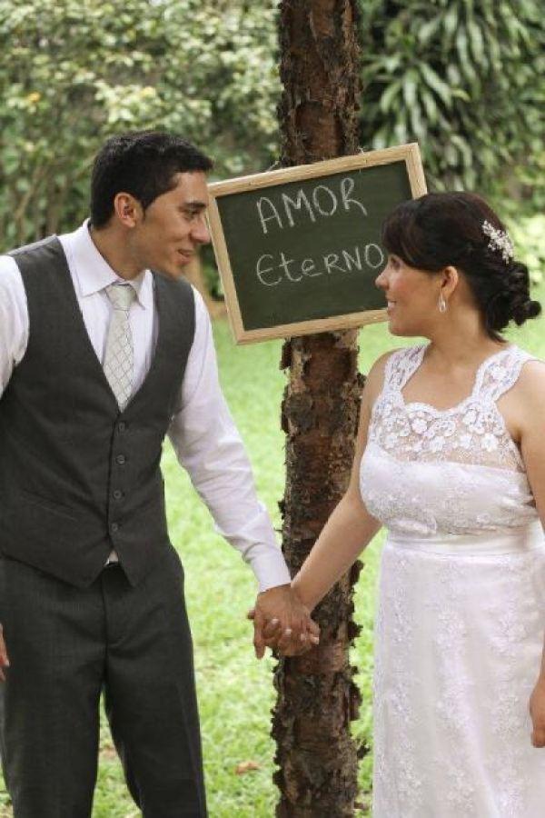 casamento-economico-pequeno-mini-wedding-de-manha-sao-paulo-sapato-roxo-decoraca-roxa-e-lilias (23)