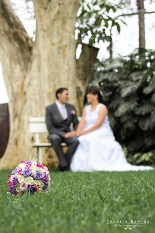 casamento-economico-pequeno-mini-wedding-de-manha-sao-paulo-sapato-roxo-decoraca-roxa-e-lilias (5)