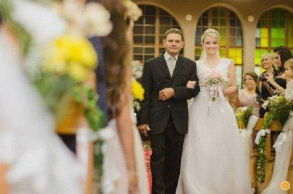 casamento-economico-rio-grande-do-sul-vestido-da-china-decoracao-amarelo (6)