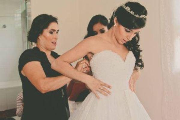 casamento-100-pessoas-mini-wedding-litoral-sao-paulo-azul-e-rosa-praiano-faca-voce-mesmo (13)
