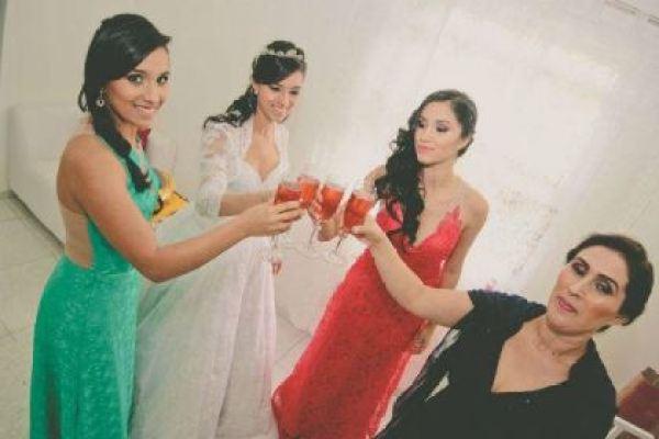 casamento-100-pessoas-mini-wedding-litoral-sao-paulo-azul-e-rosa-praiano-faca-voce-mesmo (14)