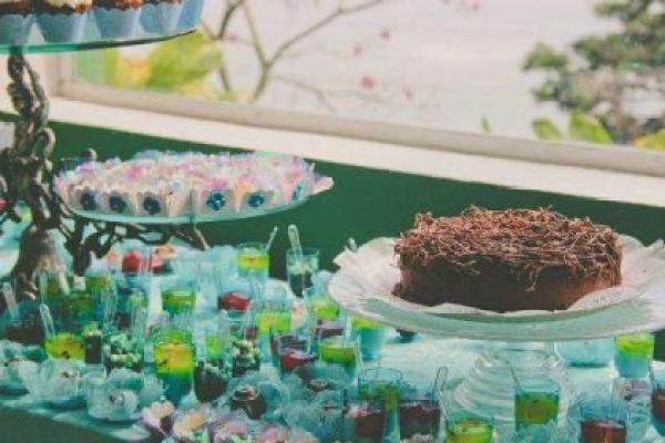 casamento-100-pessoas-mini-wedding-litoral-sao-paulo-azul-e-rosa-praiano-faca-voce-mesmo (18)