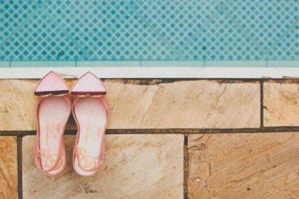 casamento-100-pessoas-mini-wedding-litoral-sao-paulo-azul-e-rosa-praiano-faca-voce-mesmo (2)