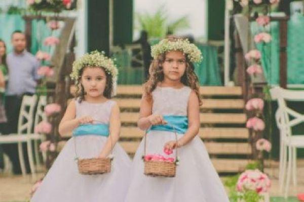 casamento-100-pessoas-mini-wedding-litoral-sao-paulo-azul-e-rosa-praiano-faca-voce-mesmo (23)