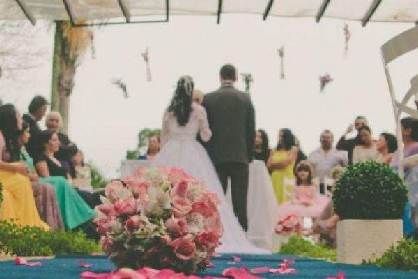 casamento-100-pessoas-mini-wedding-litoral-sao-paulo-azul-e-rosa-praiano-faca-voce-mesmo (26)