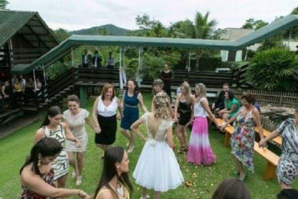 casamento-50-pessoas-economico-mini-wedding-7-mil-reais-santa-catarina-diferente-ao-ar-livre (9)
