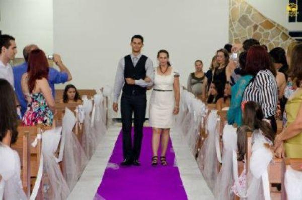 casamento-economico-menos-5-mil-goias-noiva-de-preto-bolo-e-champanhe (5)