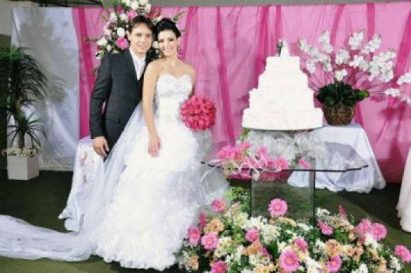 casamento-economico-espirito-santo-decoracao-rosa-e-branco-7500-reais (13)
