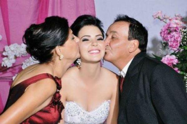 casamento-economico-espirito-santo-decoracao-rosa-e-branco-7500-reais (17)