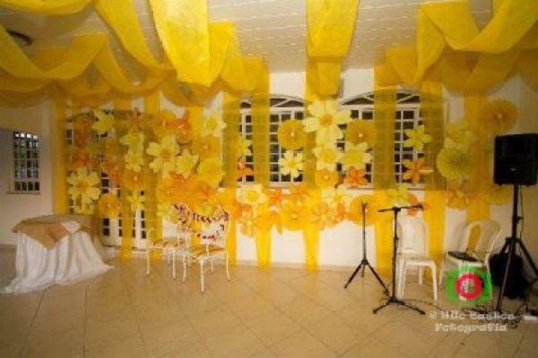 casamento-economico-manaus-amazonas-quintal-de-casa-decoracao-faca-voce-mesmo-amarelo-e-azul (13)