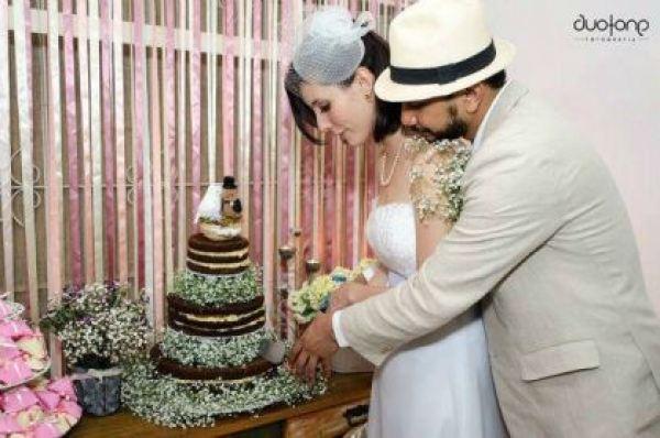casamento-economico-em-casa-mini-wedding-comida-de-boteco-varal-de-luzinha-de-natal (3)