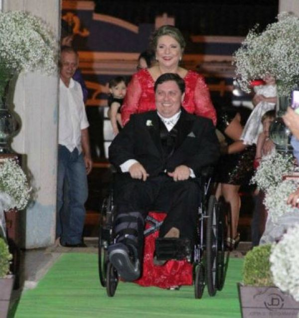 casamento-economico-noivo-cadeira-rodas-goias-faca-voce-mesmo (10)