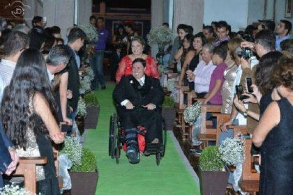 casamento-economico-noivo-cadeira-rodas-goias-faca-voce-mesmo (9)