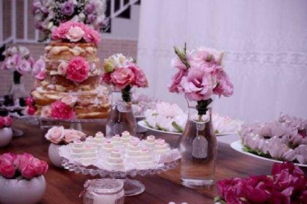 casamento-economico-sao-paulo-flores-rosa-naked-cake-caseiro (4)