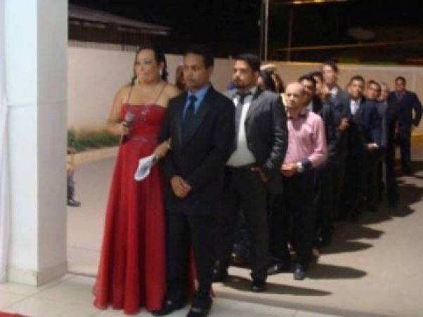 casamento-economico-Ionara-Vando-7-mil-casando-sem-grana (1)
