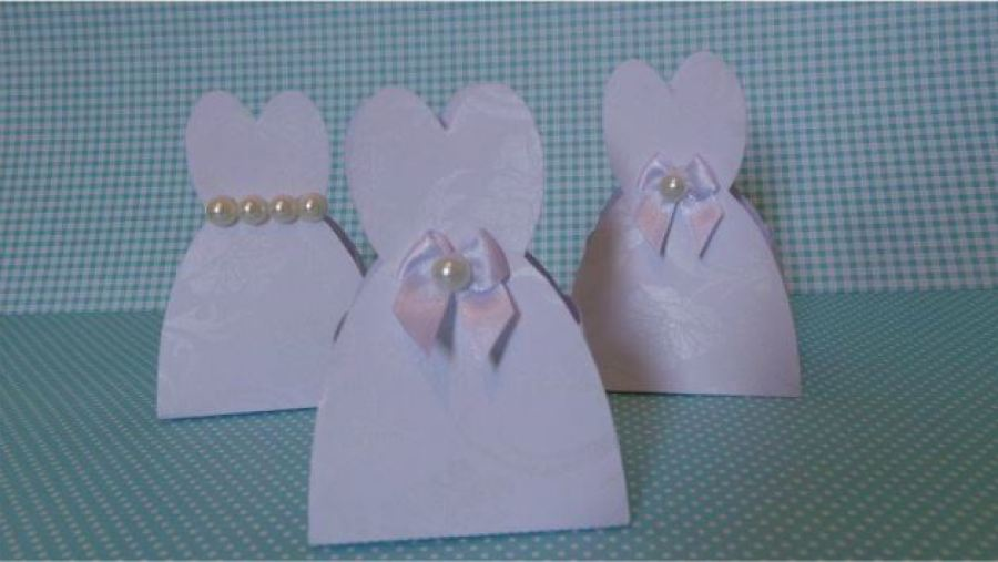Caixinha vestido de noiva de papel
