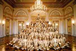 Spencer-Tunick-Munich-6.2-Bayerische-Staatsoper
