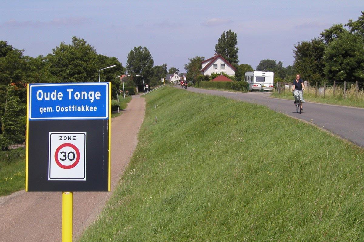 Ortseinfahrt Oude Tonge
